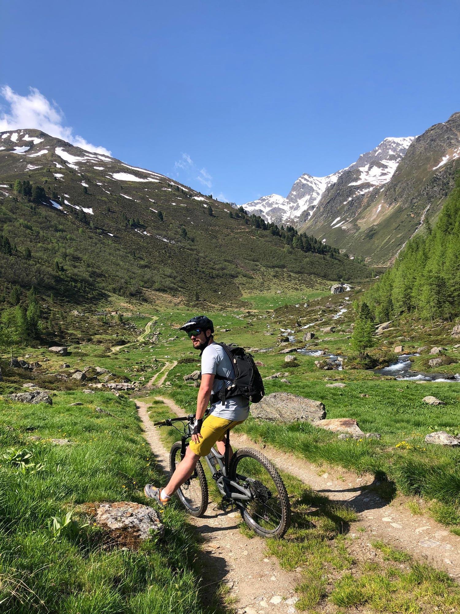 Urlaub mit Mountainbike in Tirol? Diese 5 Fragen sollen dir dabei helfen, deinen Bike Urlaub perfekt auf deine Bedürfnisse abzustimmen.